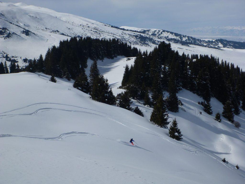fresh track skiing kyrgyzstan